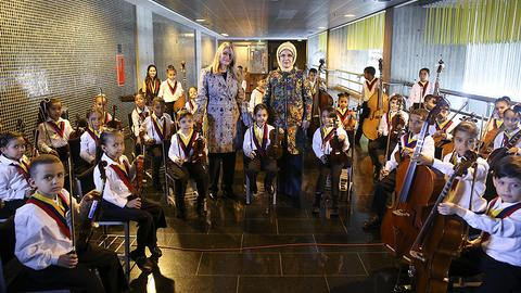 Turkish first lady greeted with 'El Sistema' concert in Venezuela