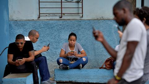 Cuba to begin full internet access for mobiles