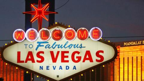Neon signs making a comeback in US