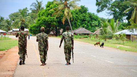 Who is the new militant group threatening Mozambique?