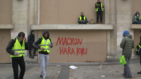 The fear of French suburbs joining the protests