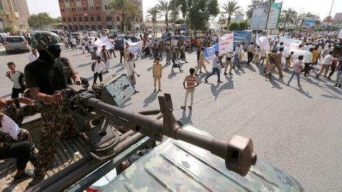 Yemen's Hudaida hit by air strikes, clashes despite truce