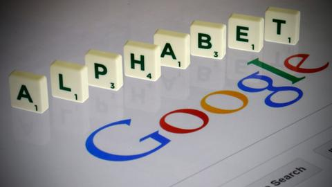 Google co-founders step down as execs of Alphabet Inc