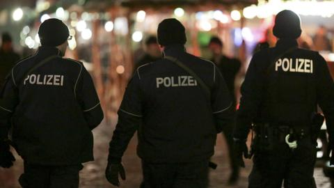 How German police officers anonymously threatened a German-Turkish lawyer