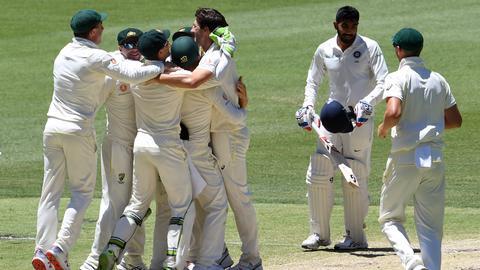 Cricket: Australia beat India by 146 runs to level up series