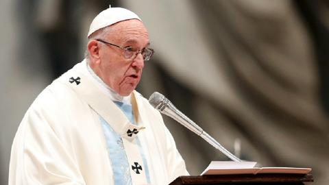 Countries making weapons of war foment migration but refuse refugees - Pope