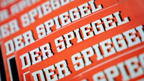 Der Spiegel says star journalist fabricated stories over years