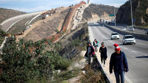 Mexico appears willing but unready to house US-bound migrants, refugees