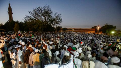 Sudan doctors to strike as bread protests enter fifth day