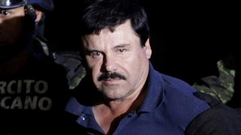 Mexico turns over drug lord 'El Chapo' to the US