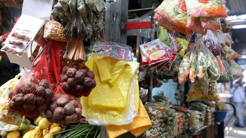 Plastic bag use in Turkey down by 50 percent after regulation