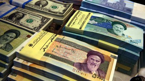 Iran's central bank proposes slashing four zeros from falling currency