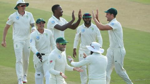 South Africa ease to series-clinching victory over Pakistan