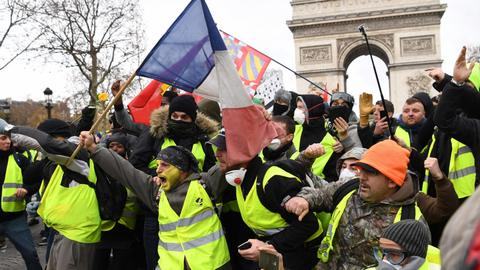 """A new Europe is being born"": Italy praises Yellow Vest movement"