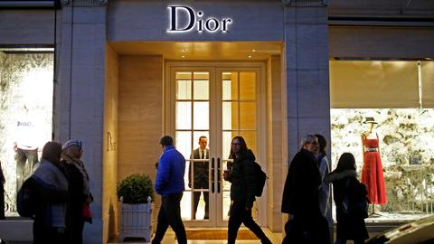 Dior switches Paris catwalk date to avoid Yellow Vest protests