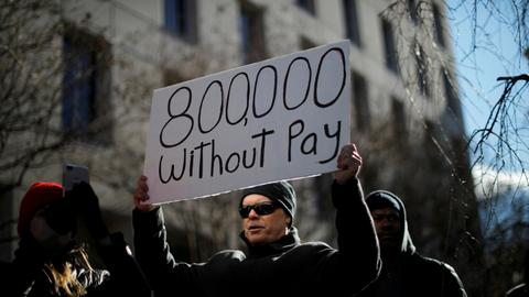 US Federal workers get $0 pay stubs as shutdown drags on