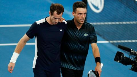Australian Open: Battling Murray crashes out as Federer, Nadal fight on