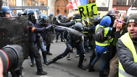 Tested on poor minorities, French police violence hits Yellow Vest movement