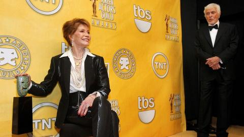 Emmy-winning actress Mary Tyler Moore passes away at age of 80