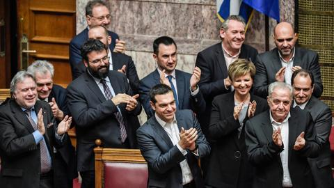 Greek PM Tsipras survives confidence vote