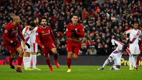 Liverpool win 4-3 thriller as Arsenal revive top-four hopes