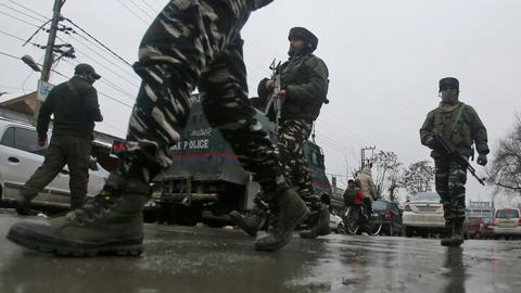 Indian troops kill three rebels, wound journalists in Kashmir