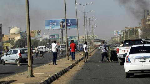 Opposition calls for autocrat Bashir to step down as protests intensify