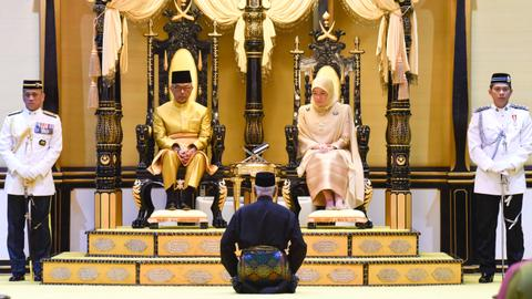 Why is Malaysia's monarchy so unique compared to other kingdoms?
