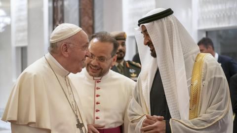 Pope arrives in UAE, condemns Yemen war