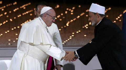 Pope calls for end to Yemen and Syria wars in UAE trip