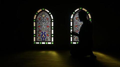Former anti-Muslim Dutch politician converts to Islam