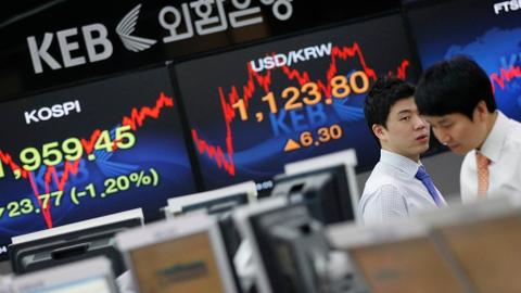 Young people in South Korea struggle to find jobs as economy growth slows