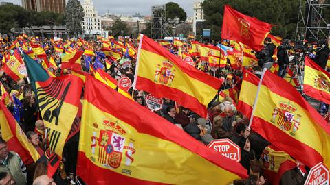 Thousands protest in Spain against government's Catalonia policy