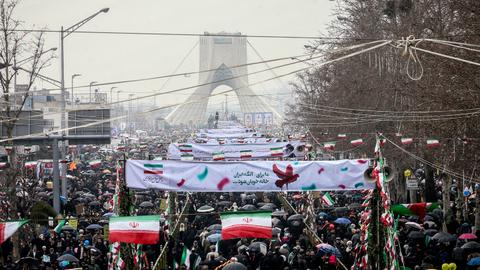 Massive crowds mark 40th anniversary of Iranian revolution
