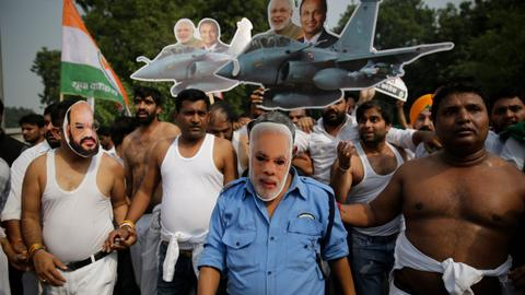 Rafale arms deal spooks Modi government