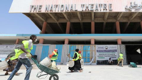 Actor dreams of second chance as Somalia rebuilds its theatre