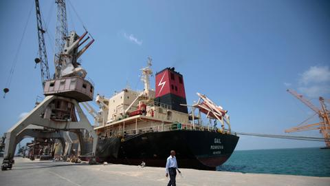 UN envoy arrives in Yemen to discuss truce around port city