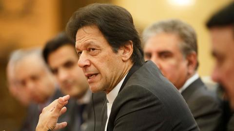 Pakistan PM warns India against attack