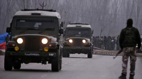 India deploys over 10,000 more troops to Kashmir as tensions soar