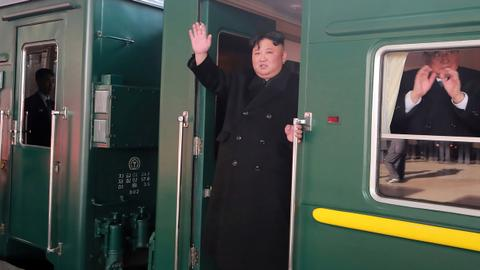 North Korean leader rides train on way to Vietnam