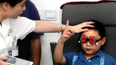 Children over-exposed to artificial lights risk eye disease