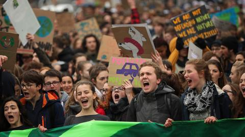 'Youth for Climate' protests continue in Brussels
