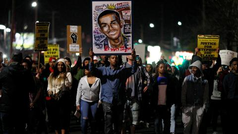 Two Sacramento cops who shot Stephon Clark won't face charges