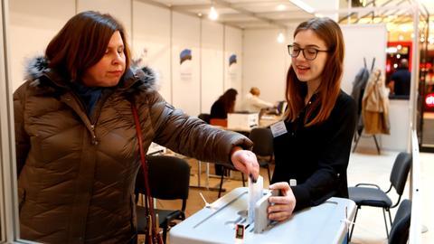 Estonia votes as far-right surge challenges mainstream