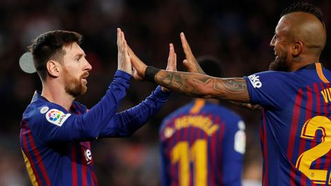 Messi shines as Barca survive scare to see off Rayo
