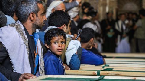 Civilian deaths rise in Yemen despite port truce - aid group