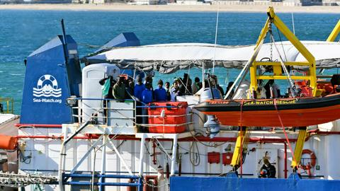 Italy closes port to 49 migrants rescued by NGO ship