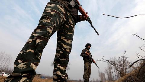 Indian soldier kills three comrades in disputed Kashmir – Pakistan-India