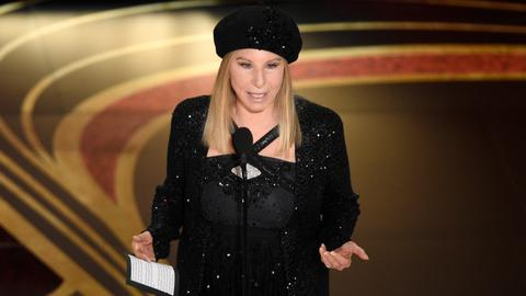 Streisand apologises for remarks on Michael Jackson accusers