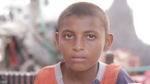 Yemen war forces children to take up menial jobs